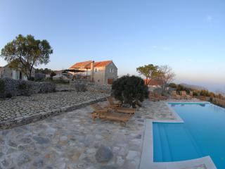 Villa  with Private Pool and Tennis court, Jelsa
