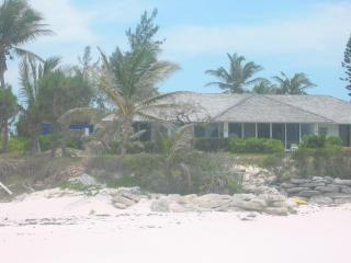 Beachfront villa and  Beach Cottage, Governor's Harbour