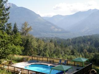 MountainView Retreat swimming pool hot tub 19 acre, Chilliwack