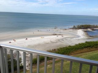1 bedroom beach front condo in Fort Myers Beach FL