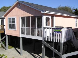 Sunset Square - Steps from Beach w/ Pool, Garden City Beach