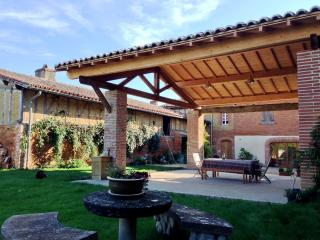 Historic house close to Toulouse, France Sleeps 8