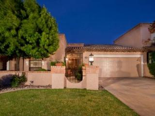 Luxury 2 Bed Patio Home  Wi-Fi, Pool, 30% off Golf, Scottsdale