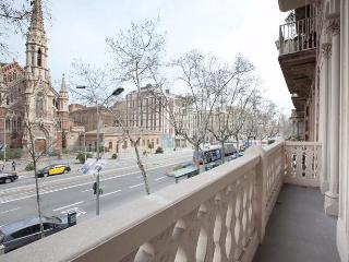 Magnifico 4be-3ba Church Views Ideal for Families, Barcelona