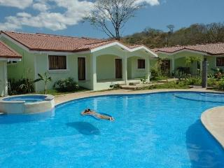 Amazing Family Vacation Villa by the Beach, Playas del Coco
