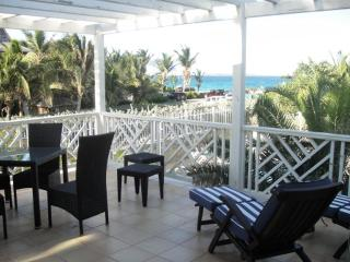 CARIBBEAN PRINCESS A2... overlooking the pool and on to Orient Beach and the sea, this affordable 2 bedroom unit is just the ticket for a fun filled vacation!, Orient Bay