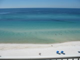 Quaint 2 Bedroom Beachside Cottage with a Great View, Panama City Beach