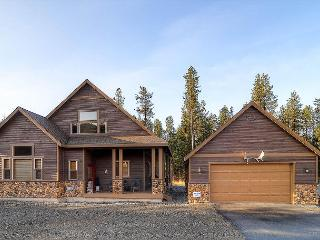 Upscale Summer-Cabin|Pool Table,Wi-Fi,Hot Tub,Pool |Last Minute Avail This Wk, Cle Elum
