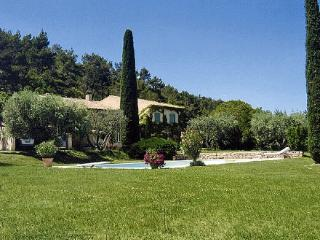 House with Pool in the Luberon near Town - Maison Lourmarin