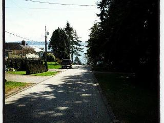 GREAT Deal- Studio apartment- Don't miss, White Rock