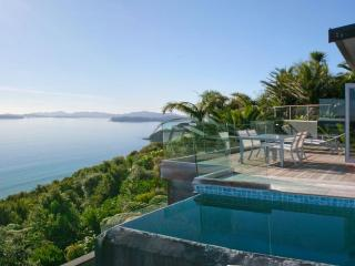 Cloud 9 - Luxury villa with breathtaking views, Russell