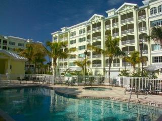 3 Br, 2.5 Ba Condo Steps From Award-Winning Beach!, Siesta Key