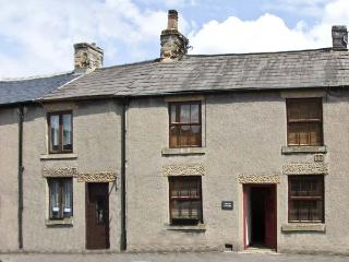 MYRTLE COTTAGE, country holiday cottage in Tideswell, Ref 6032