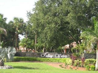 2 Bedroom Lakeview Condo, Naples