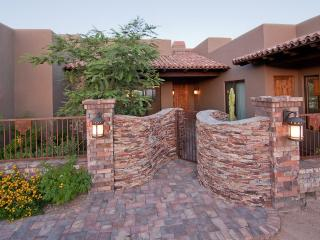 AMAZING luxury home with lots of special touches, Scottsdale