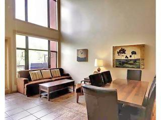 SPACIOUS 2-BR Resort Condo with LOFT Topfloor, Kelowna