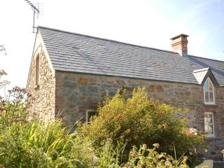 Shicley Luxurious character cottage Nr. St Davids, Ferrytryce