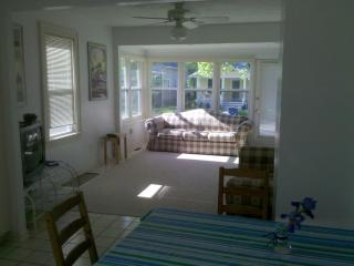 charming 1 bedroom house by stop 2 beach & casino, Michigan City