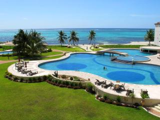 Grand Caribe 2BR/2BA or 1BR/1BA Ocean & Pool Views, San Pedro