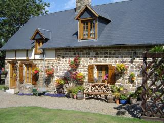 Le Champ Sous le Bois Wheel Cottage - Basse-Normandie vacation rentals