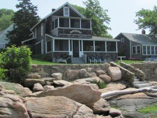 Charming Waterfront Beach Cottage-WOW! Sunsets, Guilford