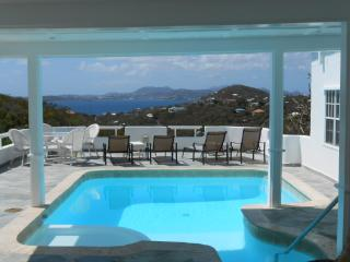 Romantic and Affordable! 1BR Cottage w/Pool & View, St. John