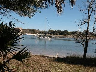 Watch the Boats Sail by on the Intracoastal Waterway!, Palm Coast