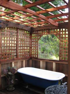 Redwood Garden Room with Clawfoot Soaking tub