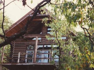 Cherokee Mountain Log Cabin Resort, Eureka Springs