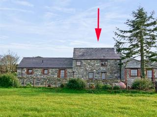 DAFFODIL COTTAGE, family friendly, country holiday cottage, with a garden in Caeathro, Ref 5741, Caernarfon