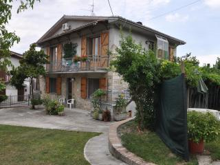 Stone farmhouse in Emilia foodcapital of Italy - Vernasca vacation rentals
