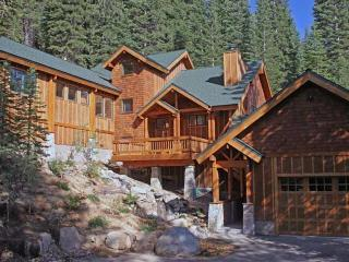 Family Home with view near Squaw Valley, Olympic Valley