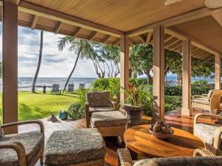 Home of the Hula Moon - Oceanfront Beauty including Private Courtyard Pool, Puako