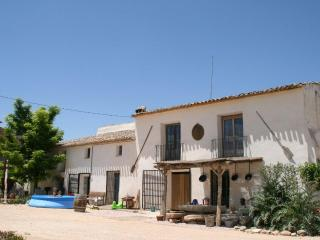 Bed & Brunch Cortijo Portichuelo - Yecla vacation rentals
