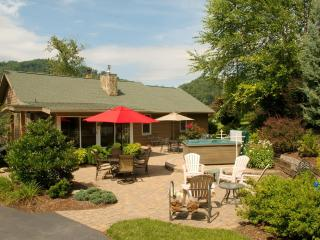 Located In Maggie Valley & Sleeping 2 - 9 People