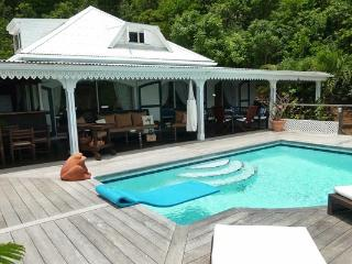 Charming family villa nestled in the hills overlooking Flamands WV JOE, St. Barthelemy
