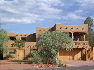 2 Luxurious Private Suites at Red Rock Crossing, Sedona