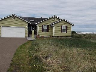 Beach Time R510 Waldport Oregon ocean front vacation rental