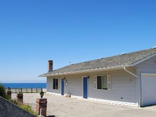 Yachats Oregon vacation rental with awesome ocean views