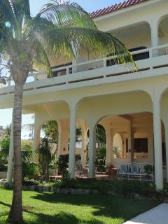 Hacienda style breezy bed and breakfast just minutes from the beach