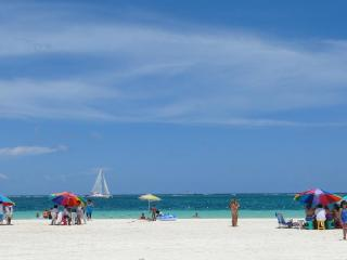 Beach in front of Casa Caribe on the weekend