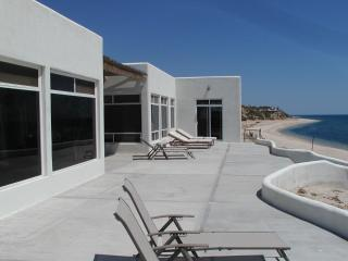 Glass Beachfront 3 or 4 bedroom or 1 ask pool/gym, La Ventana