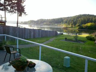 1,2, or 3 Bedroom Waterfront Rental, Poulsbo