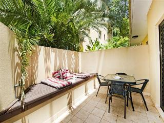 Bondi Beach Garden Apartment with Secure Parking - Bondi vacation rentals