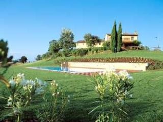 Apartment Rental in Tuscany, Montopoli in Val d'Arno - Fattoria Capponi - Fendi - Paris vacation rentals