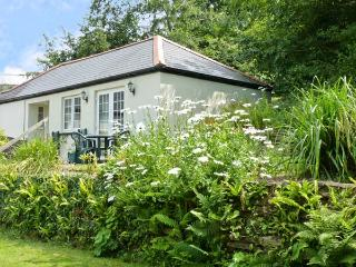 MOUSE COTTAGE, family friendly, country holiday cottage, with a garden in Gunnislake Near Dartmoor, Ref 8280