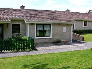 NO 16 LAKELANDS, pet friendly, with a garden in Tramore, County Waterford, Ref 4676