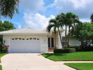 Algonquin Ct - ALGON88 - Charming Waterfront Home!, Marco Island