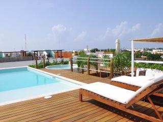 LPP201 - 2-Bedroom, Solarium, Pool, Jacuzzi + View, Playa del Carmen