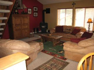 Family Size Aspen Village Condo with a Designers Touch., McCall